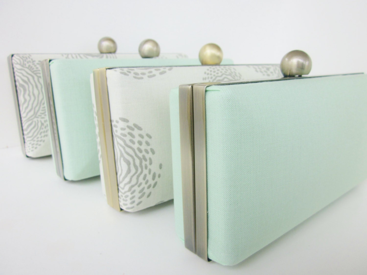 Bridesmaids mint clutches set, spring wedding clutches, Bridesmaid Set of 4 Clutches, Minaudieres - VincentVdesigns