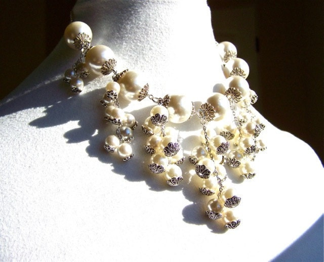 Vintage Pearl Statement Necklace Bridal by dabchickvintagegems