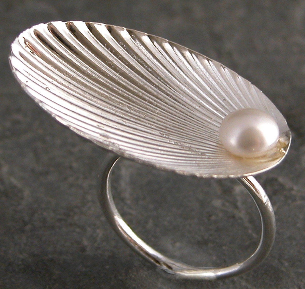 Silver Seashell Ring With pearl ,The Birth of Venus -Hand Made Ring - gazellejewelry