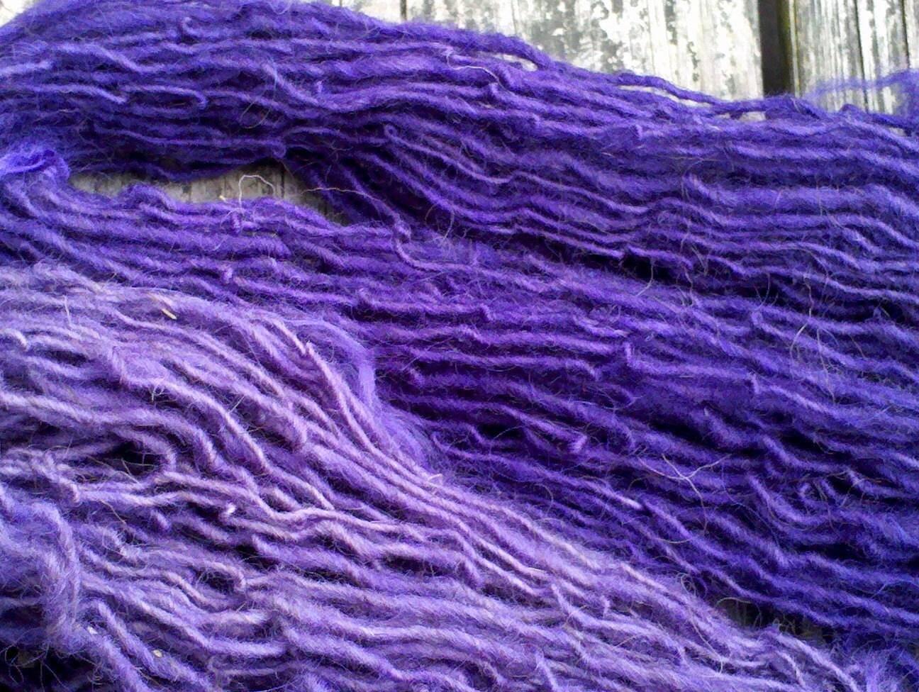 SWINGIN SINGLES Skein (tm) handspun Navajo Churro wool Purple 4.5 oz