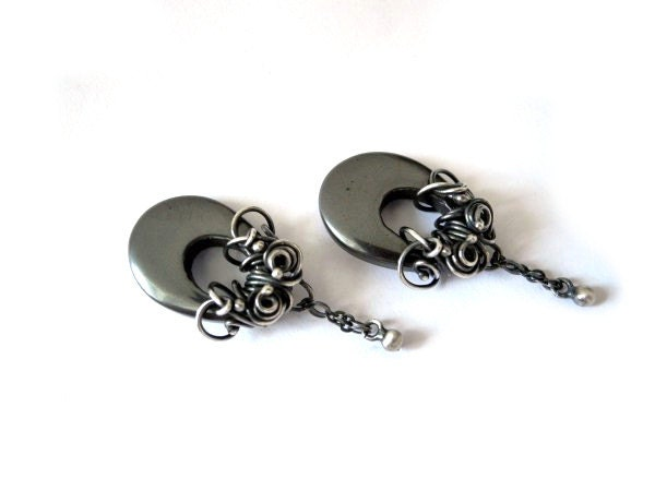 Wire wrapped silver earrings, dangle long earrings with oval Hematite donuts, black, grey, titanium - NurrgulaJewellery