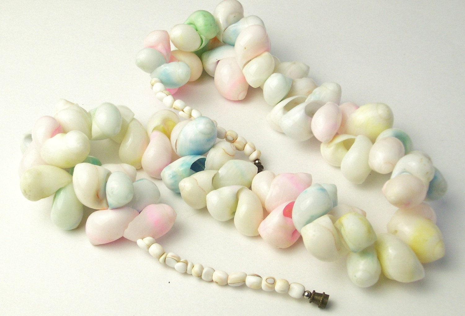 vintage pastel shell necklace