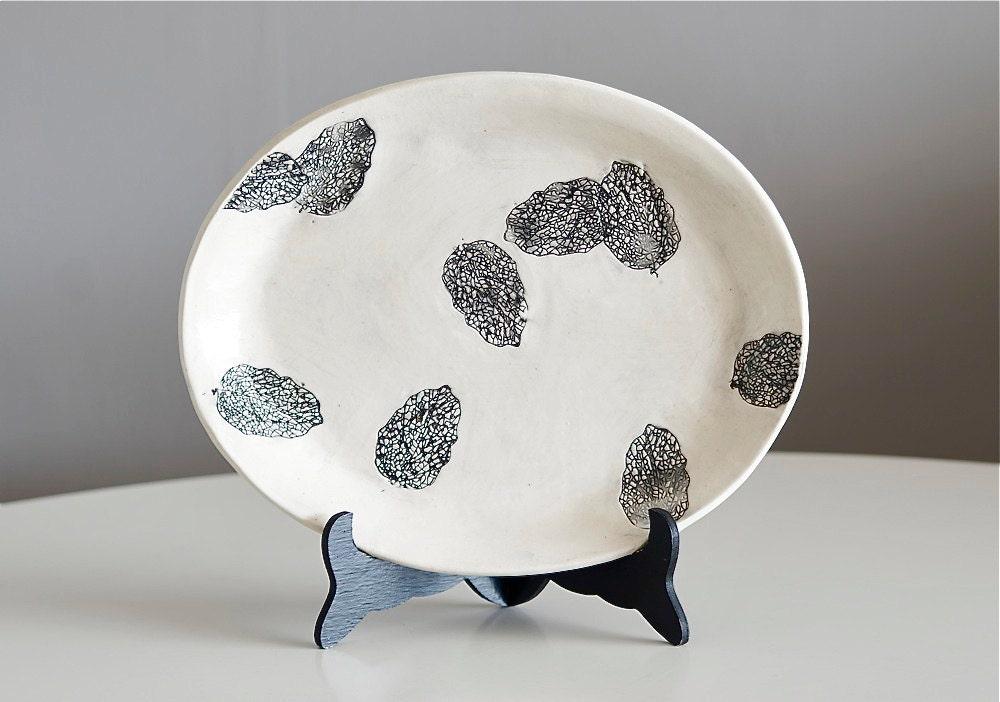Lacy Leaf Platter, handmade - MudHandChan
