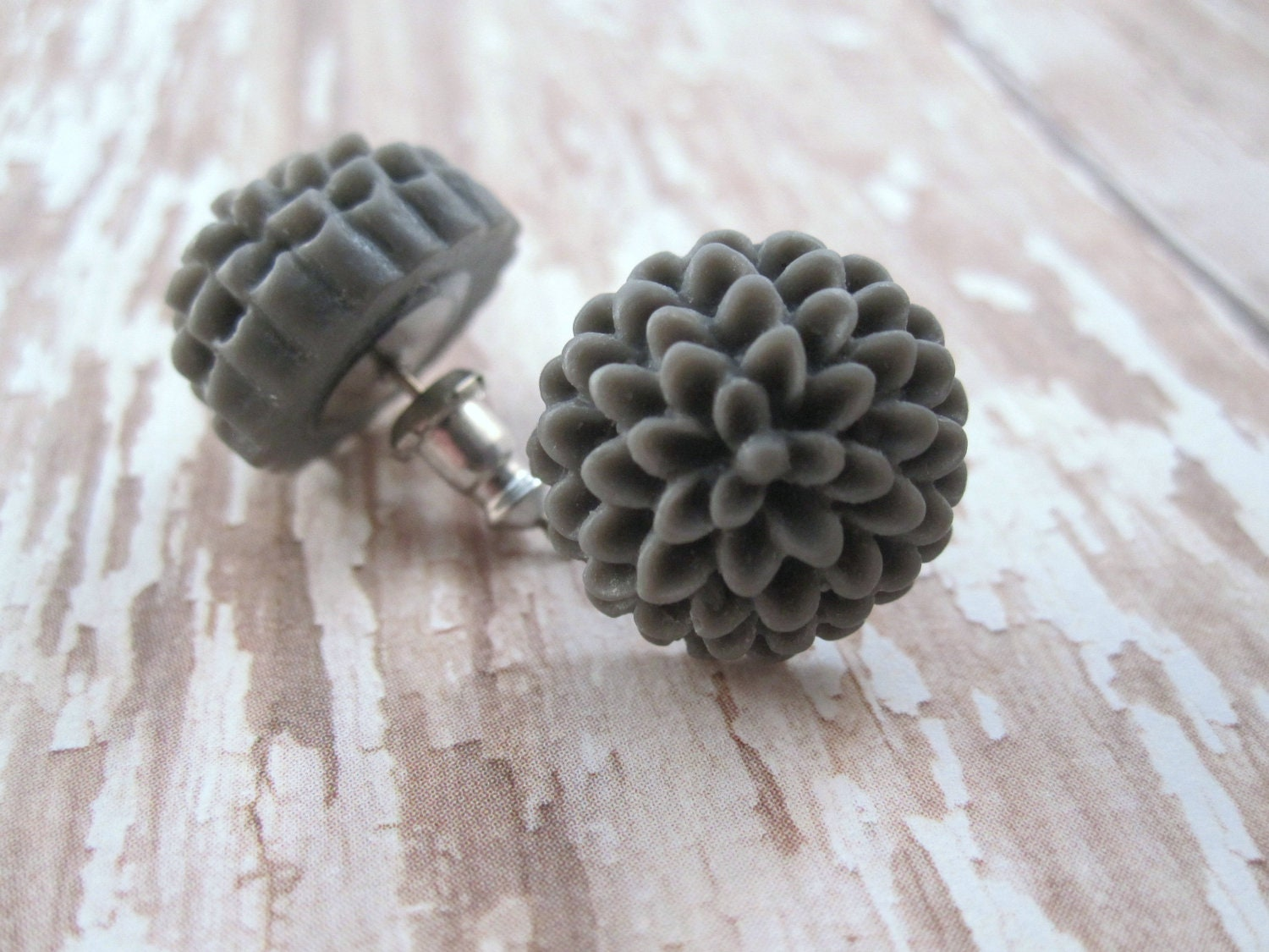 Grey mum earrings - charcoal gray flowers on titanium studs - NICKEL FREE for sensitive ears - LazyOwlBoutique