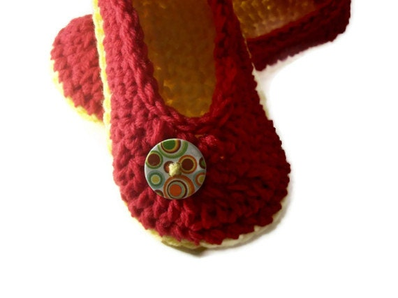 Valentines Day Womens Slippers , Ladies Slippers , House Shoes , Crochet Slippers ,Winter Accessory , Your Size