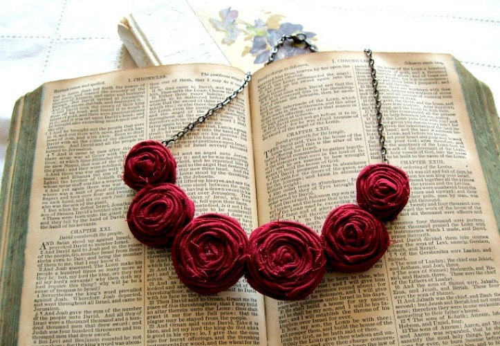 Scarlet Posie Necklace