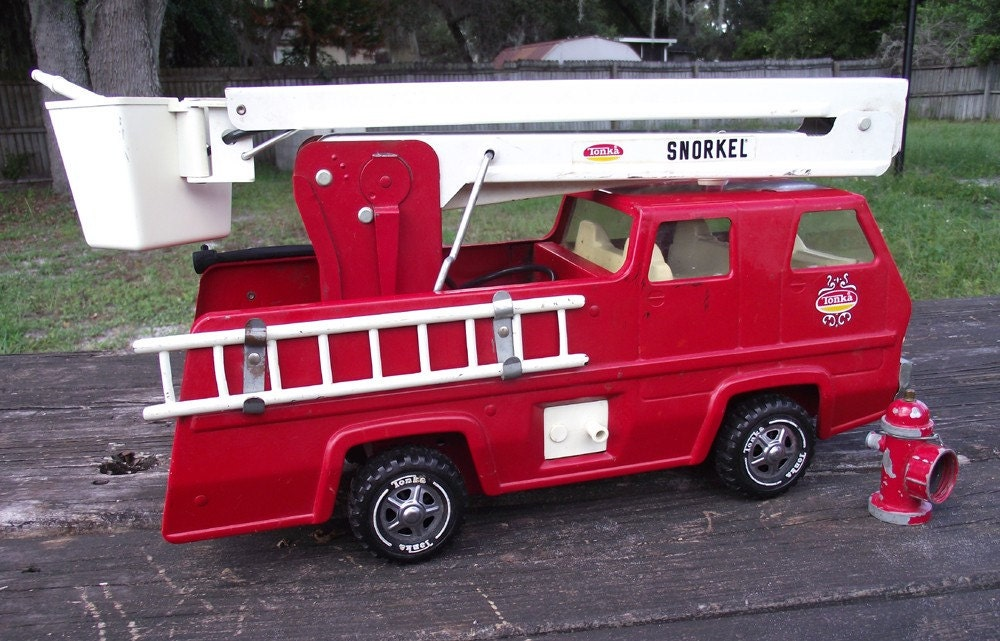 Tonka Pressed Steel Snorkel Fire Truck