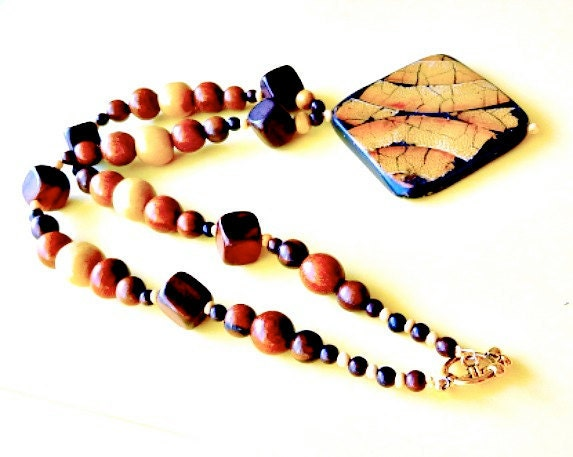 Wooden Glory Beaded Necklace