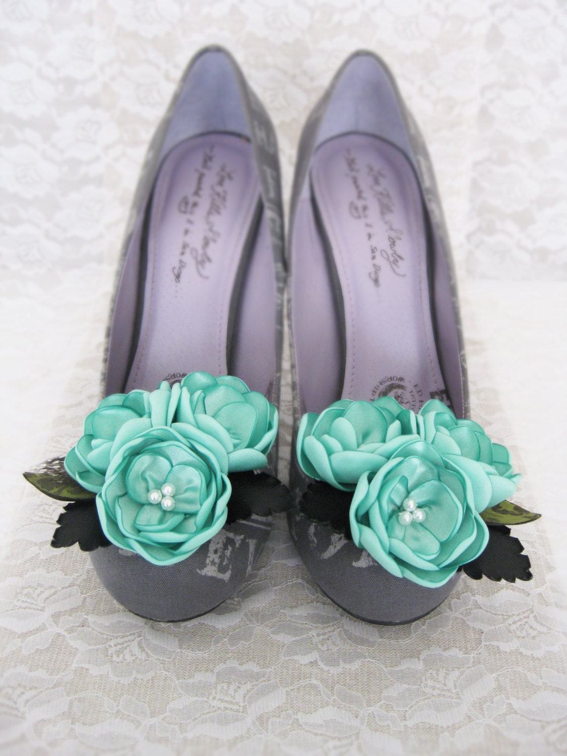 Flower Shoe Clips. Mint Shoe Clips. Mint Flower Shoe Clips. Mint Flower Accessory. Wedding Accessory. Women Accessory.