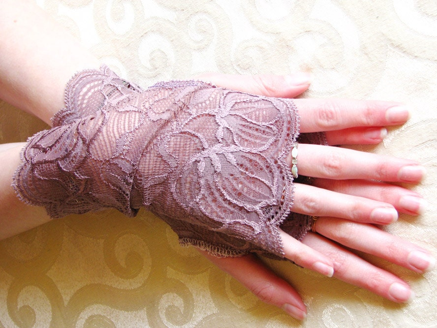 Lace Fingerless Gloves Amethyst Lavender Purple Bridal cuff
