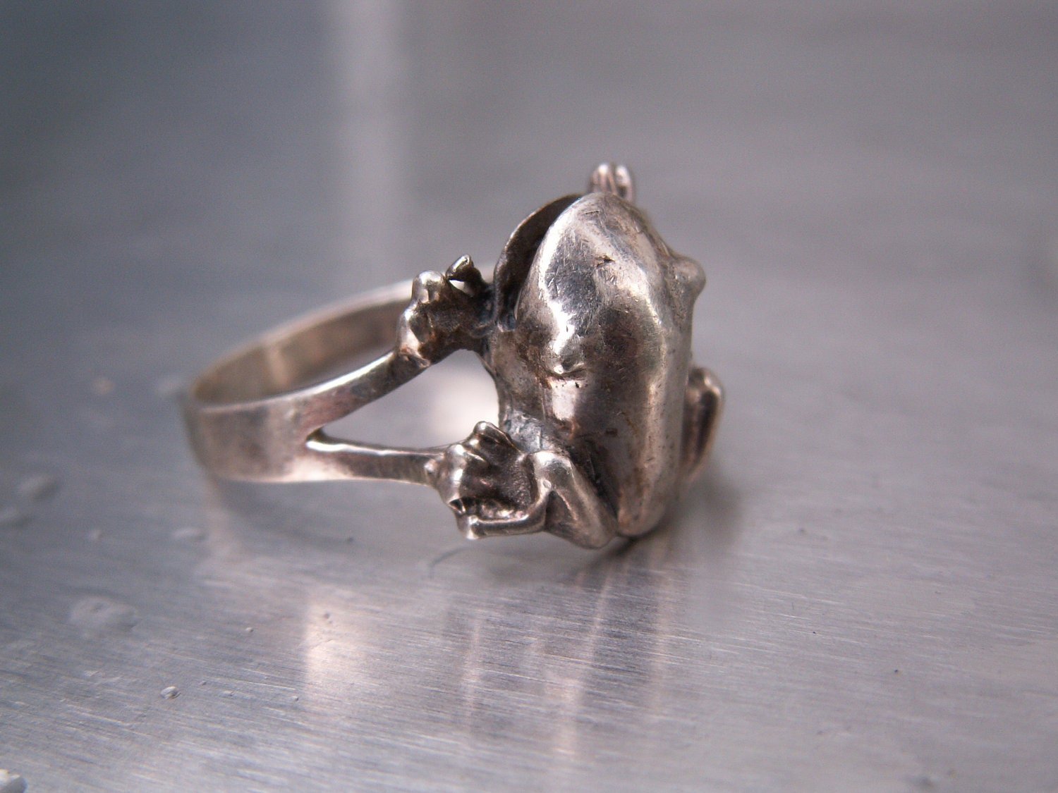Vintage Ring Frog Sterling Silver Size 8 Amphibian Reptile Animal - TheJewelryChain
