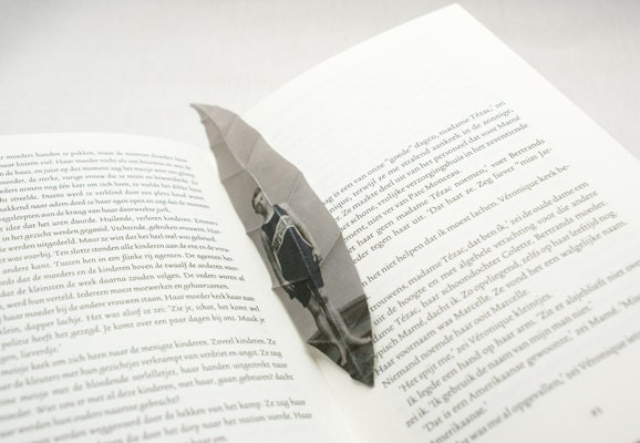Custom made willow tree leaf bookmark with your photograph