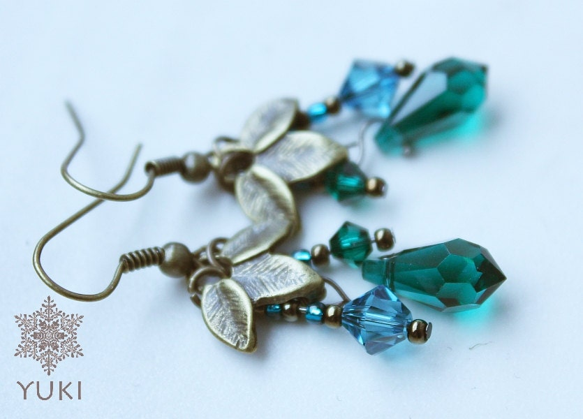 Earrings with blue and emerald Swarovski crystals - YUKIJewellery
