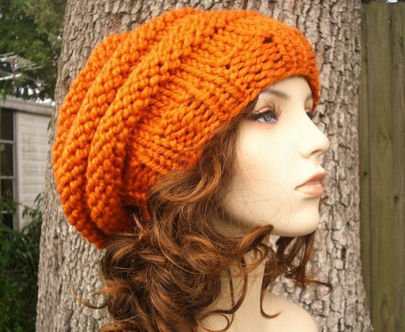 کلاه دست بافت -- اندازه کندوی عسل کلاه کلاه بره در کدو تنبل نارنجی -- لوازم جانبی مد زمستان زمستان دلپذیری گره