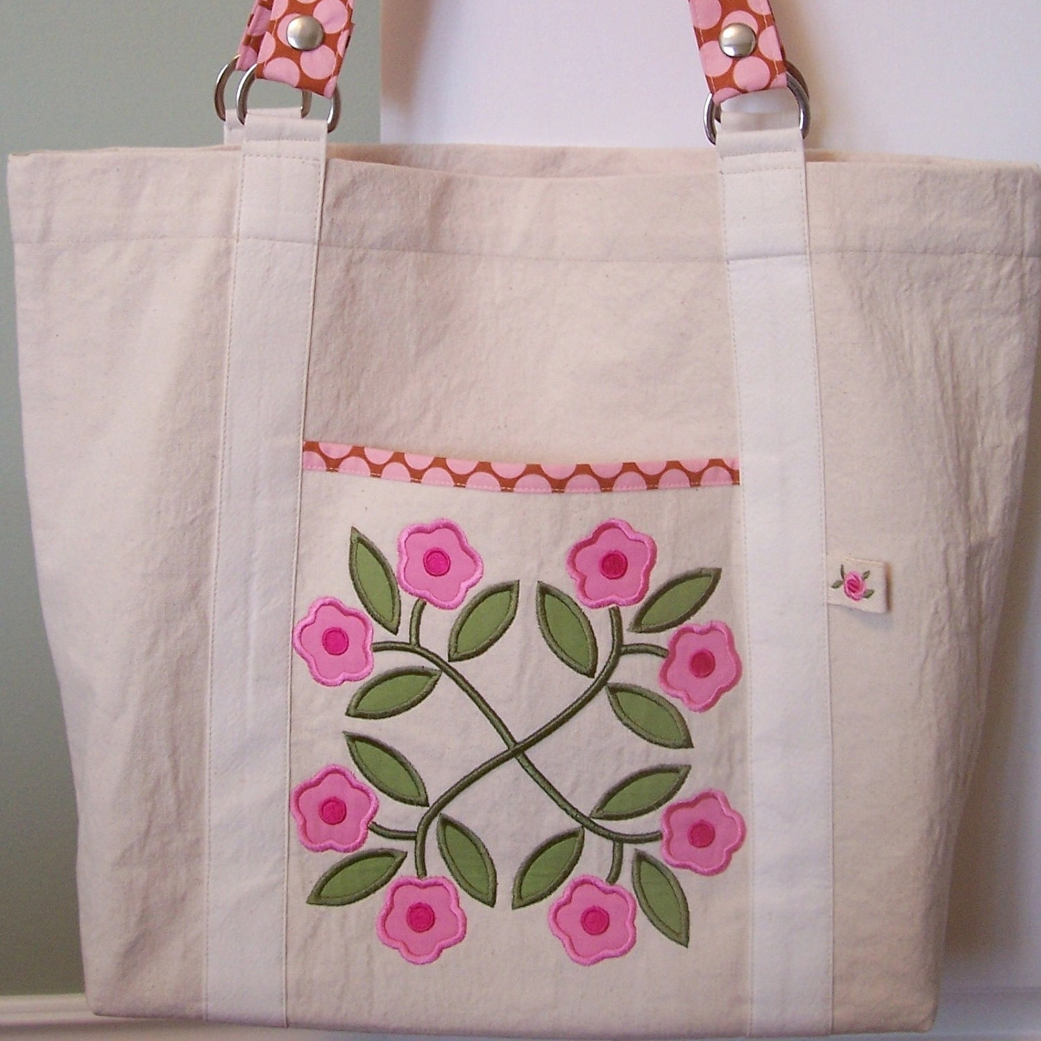 Floral Wreath Appliqué Embroidery Designs sc054d and Appliquéd Tote Sewing Instructions in PDF