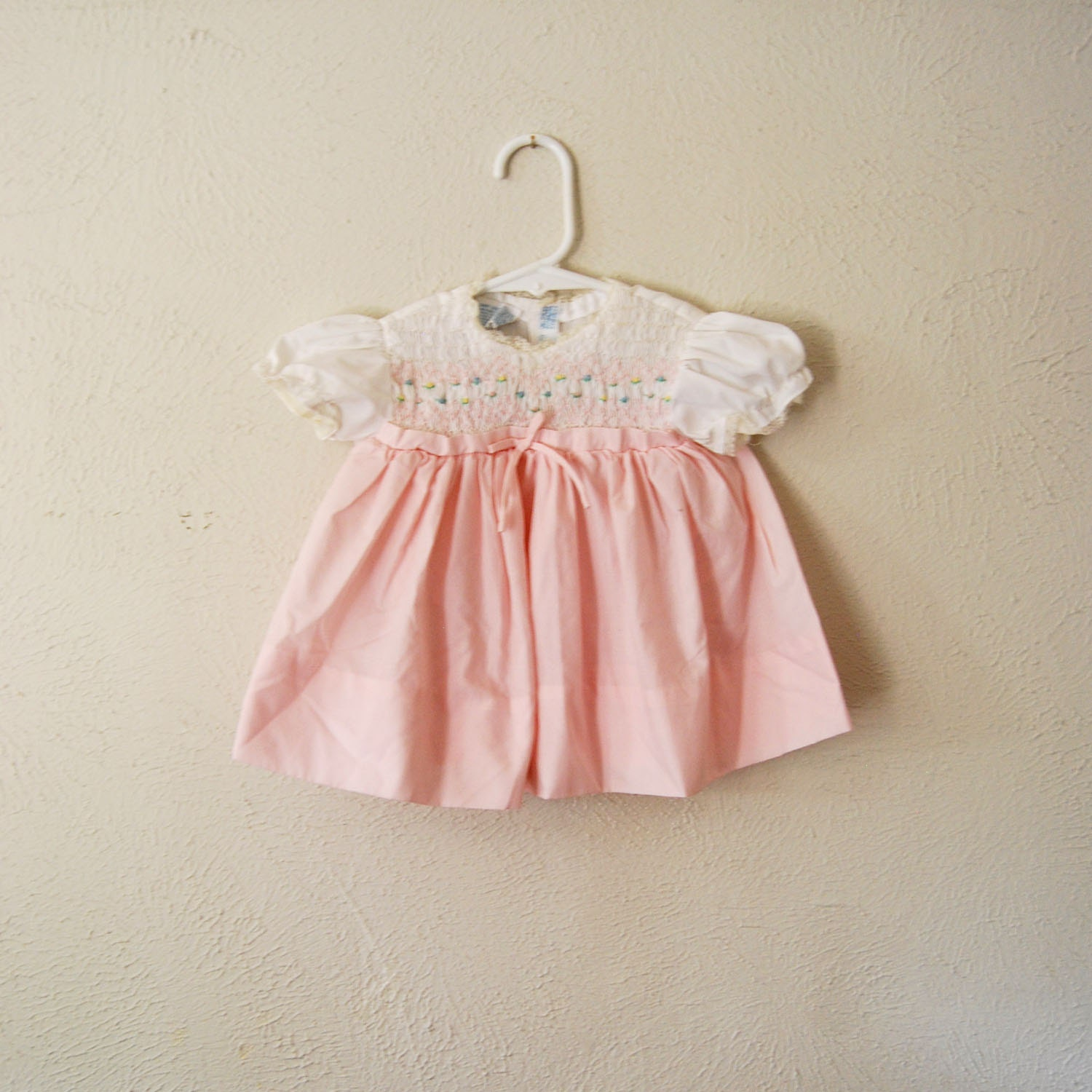 vintage baby girl pink and white smocked dress - olliesvintage