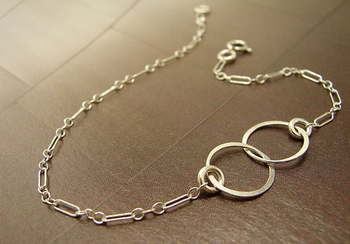 Silver Infinity Bracelet, Two Interlocking Hammered Circles Links Sterling Silver Chain, bridal party gifts minimal jewelry