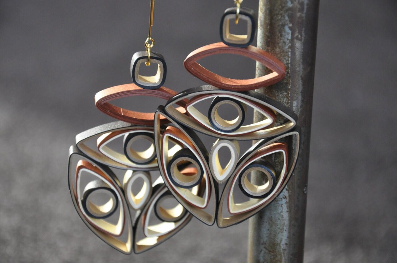 Mod Золотой коричневый племенных геометрических мотаться бронзовых Большой гофрированный Quilling бумаги серьги Современные 023