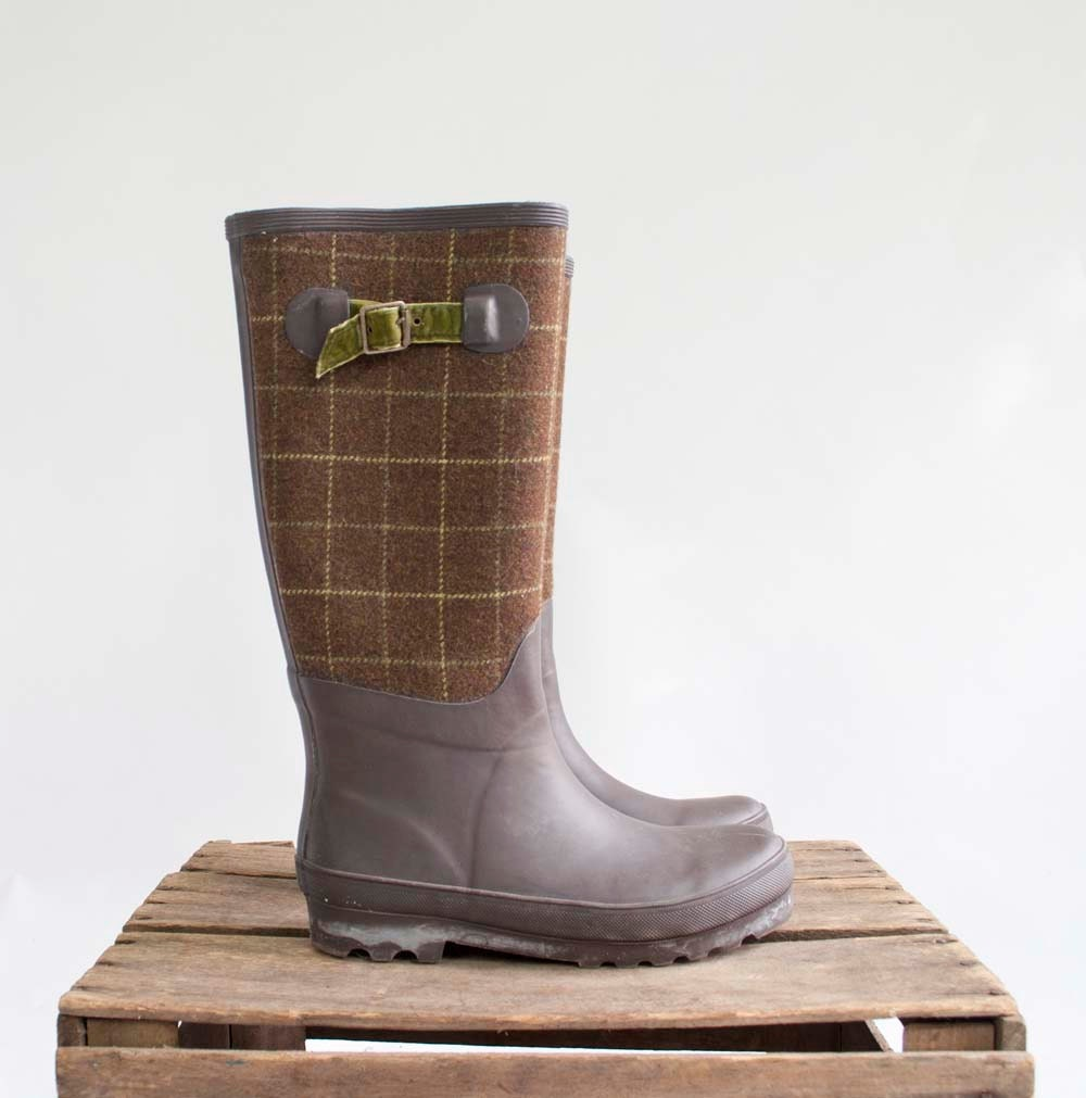 Vintage Plaid Wellies / Olive Brown Rain Boots / Shoes Size 8 / EUR 38.5 - GingerRootVintage