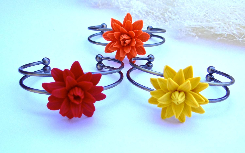 Dahlia Cuff Bracelet, Dahlia Flower Bracelet,  Flower Cuff Bracelet, Spring Summer Bracelet, Bridesmaid Gift, Prom Bracelet, Bridal Bracelet