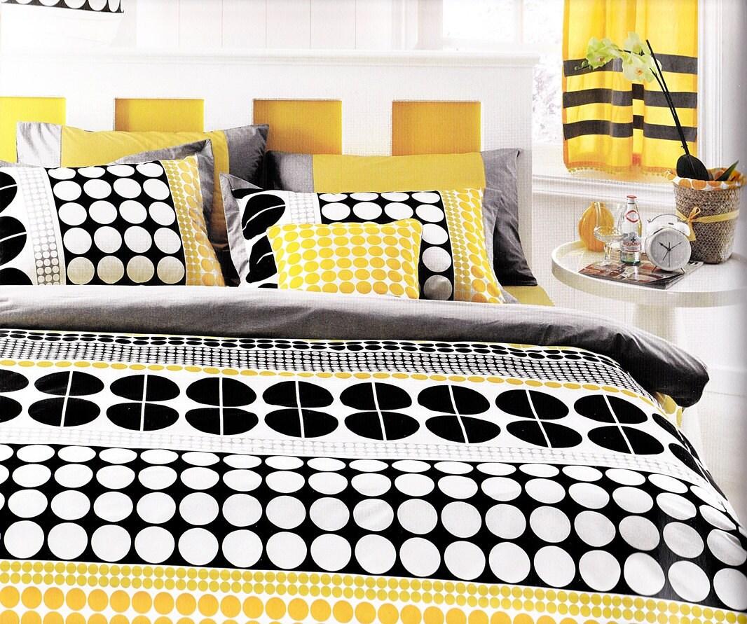 Custom yellow, black and white bedding from Etsy seller Myvera Linen