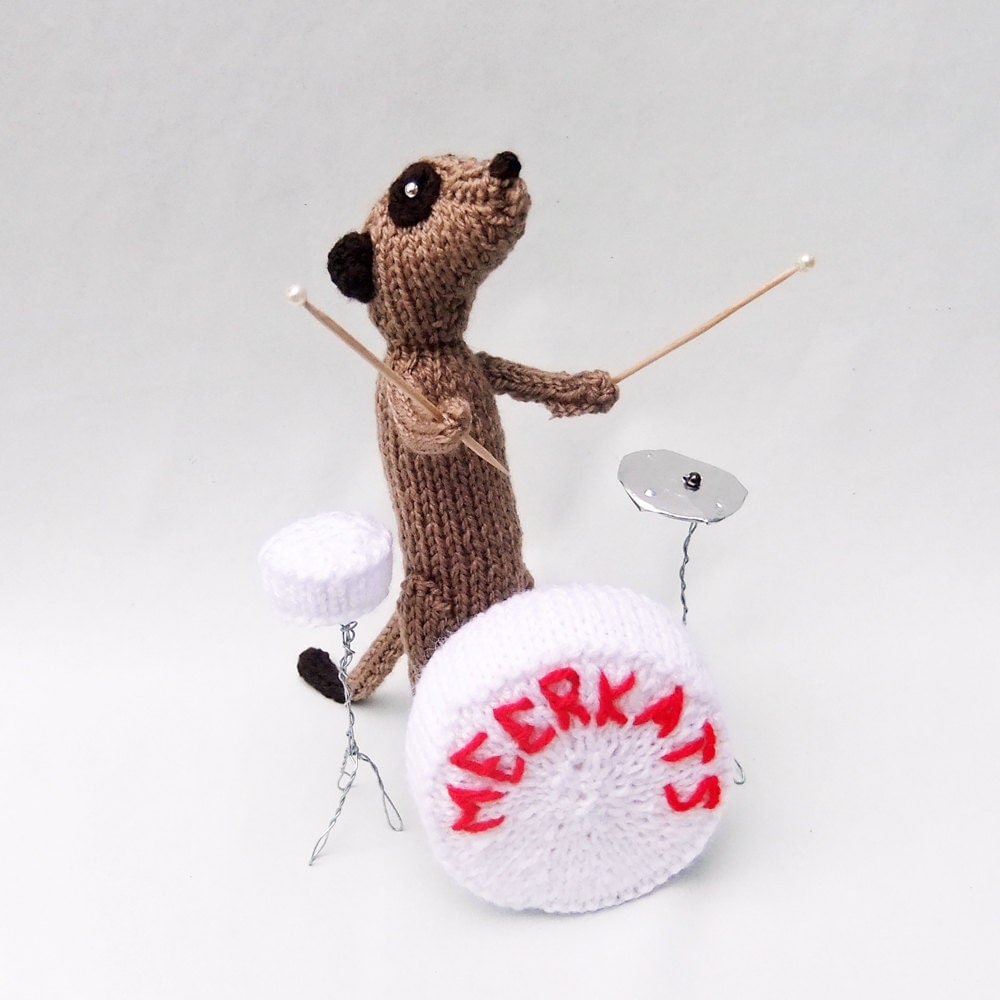 Meerkat drummer, knitted drumkit, musician meerkat, percussion, percussionist - niftyknits