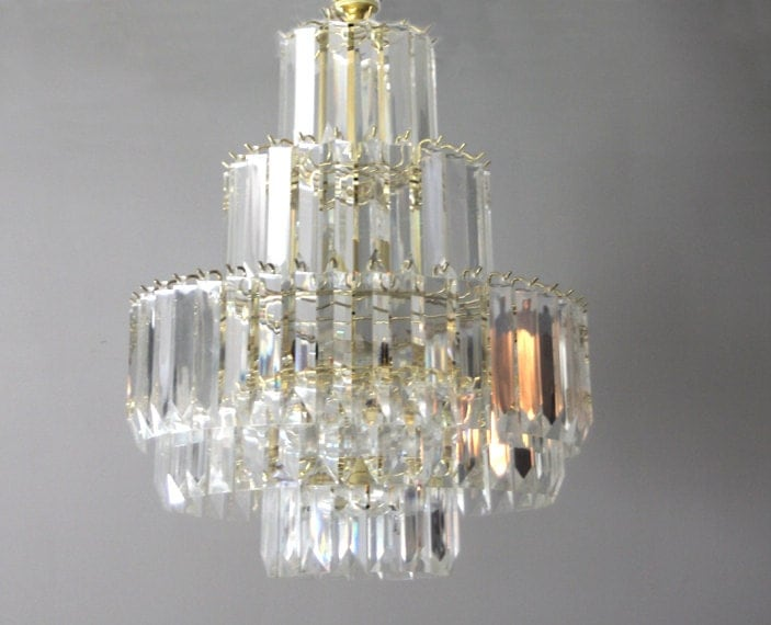 Regency Lucite Multi-Tier Chandelier - foldingchairs