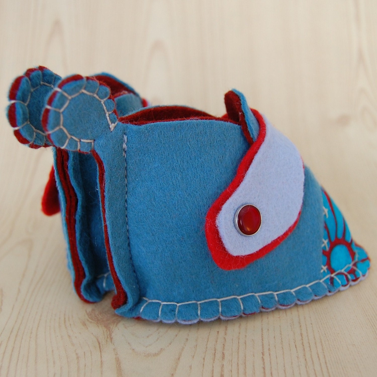 Войлок детская обувь с красными и синими Accent