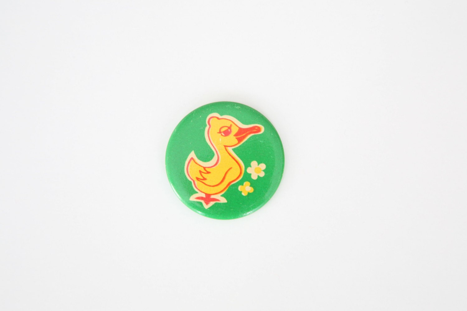 Vintage Russian DUCK button/ badge - TwoRedSuitcases