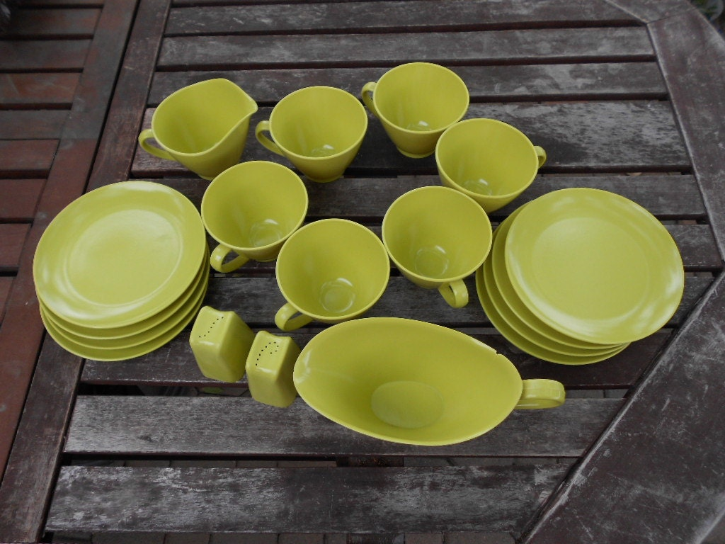 lime green melmac plates, cups, salt & pepper shakers