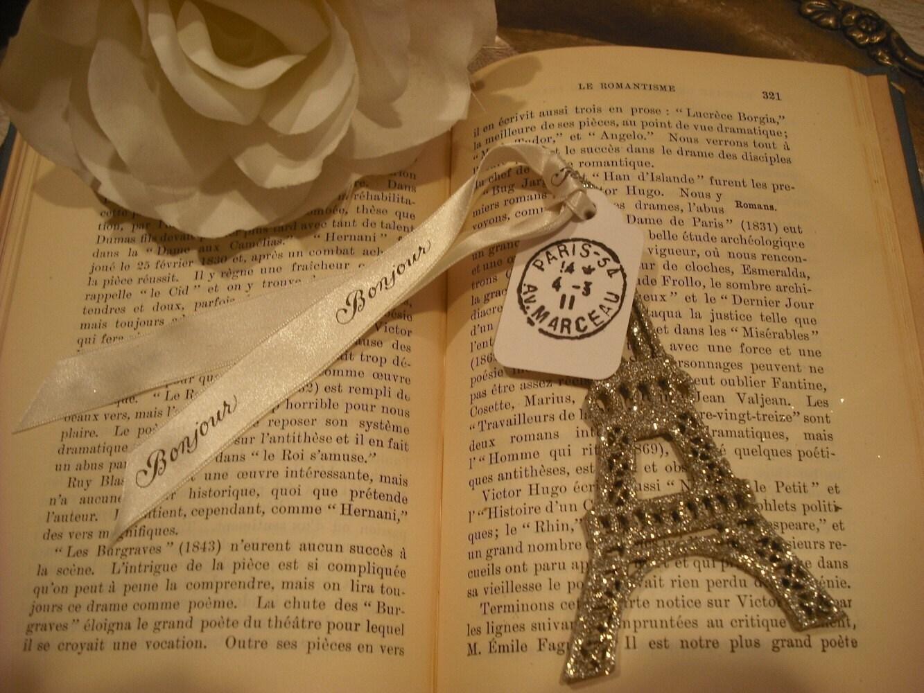 Серебряный сверкали древесины Эйфелева башня / Париж тегов марки / Bonjour атласной лентой
