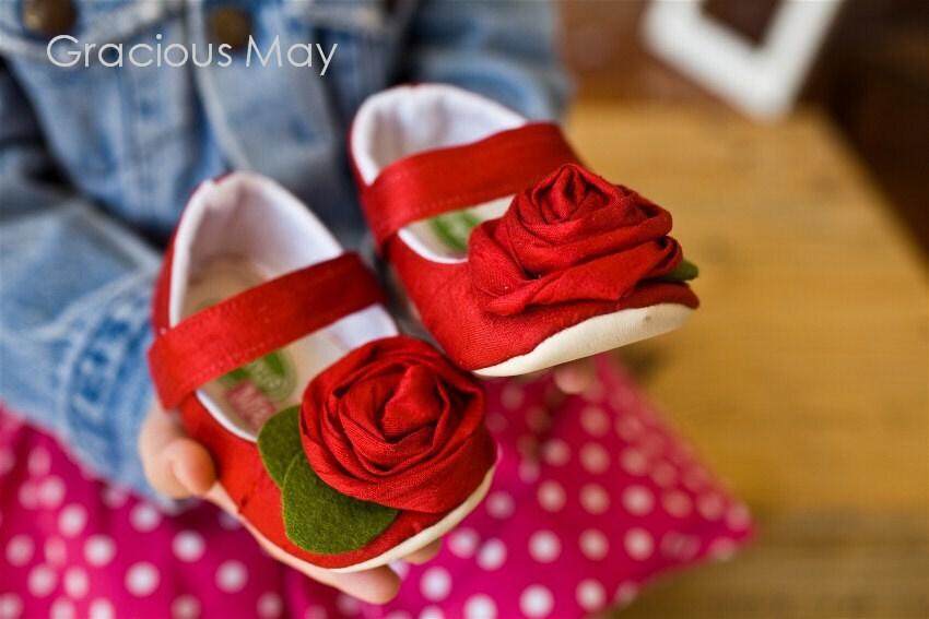Розы красные Шелковый rostette Maryjanes - XOXO