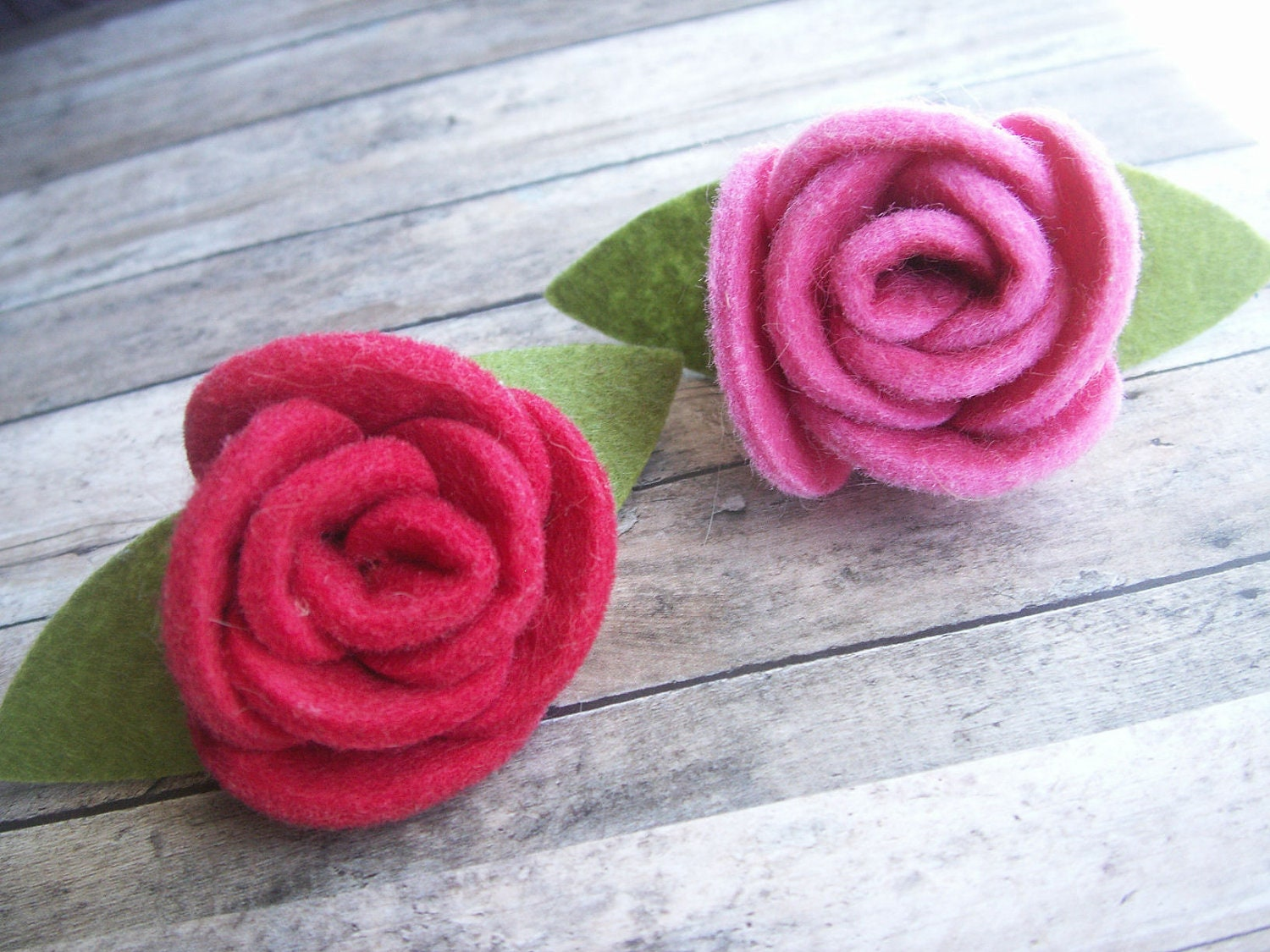 large felted rose hair barrettes - stylishsmithereens