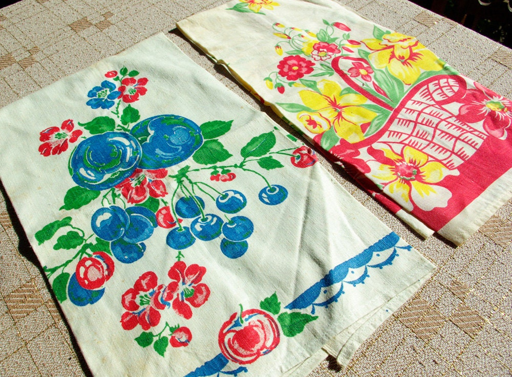Blueberries and Daffodils 1940's Vintage Cute Colorful Kitchen Tea Towels Set of 2 - Jewels4pandas