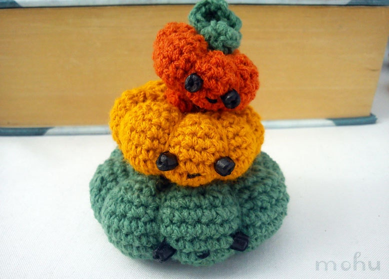 Crochet pumpkin amigurumi set of 3