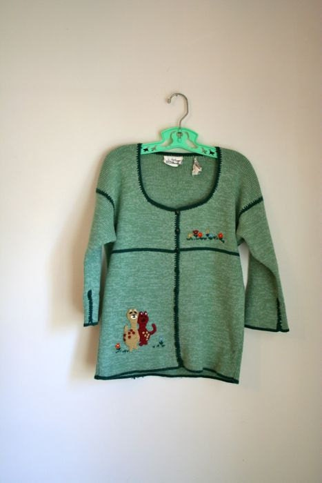 vintage cat sweater - BEST KITTY friends sage green cardigan / xs or girl 14 - MsTips