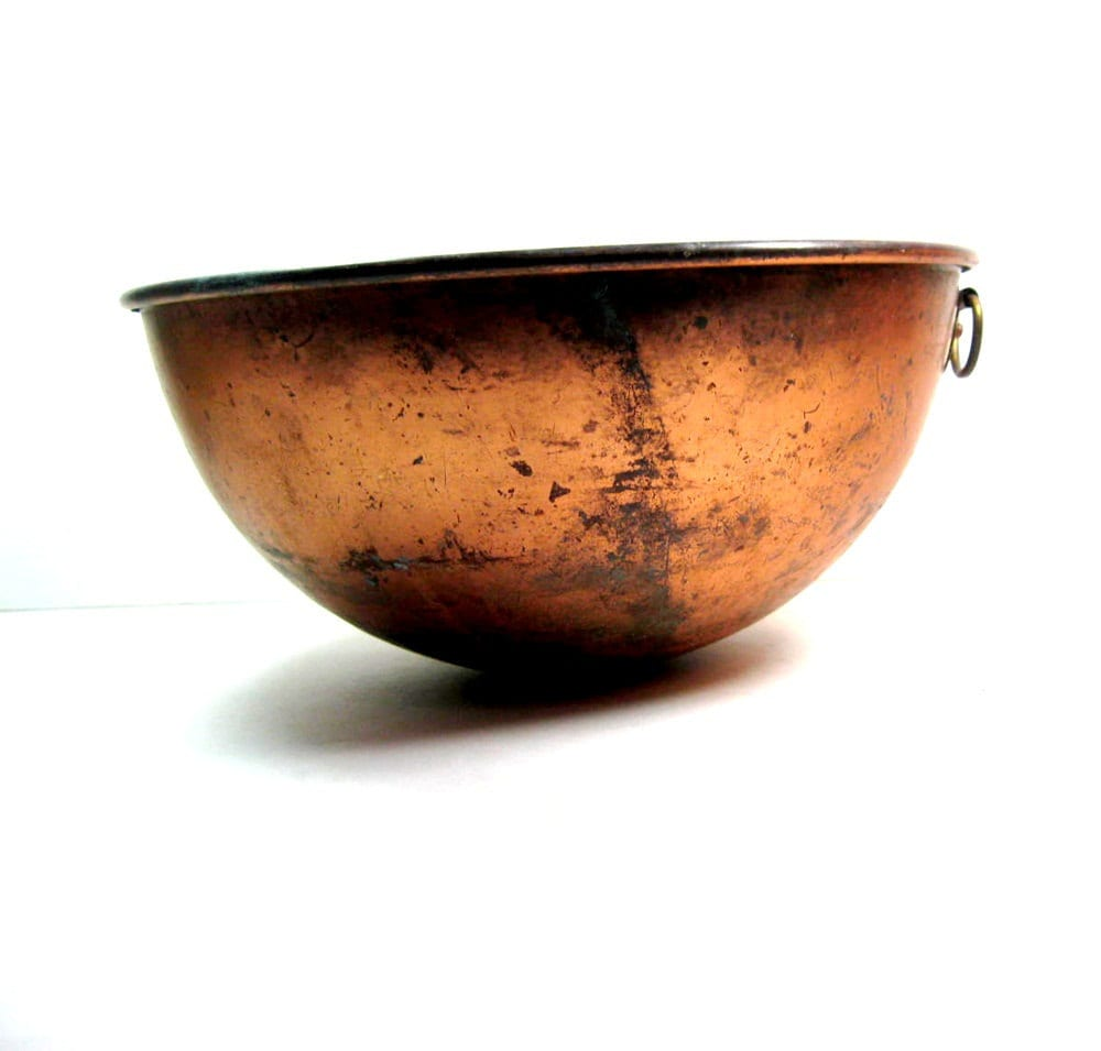 Copper Brass Bowl: 1960s Rusty Chippy Primitive Vintage - CoconutRoad