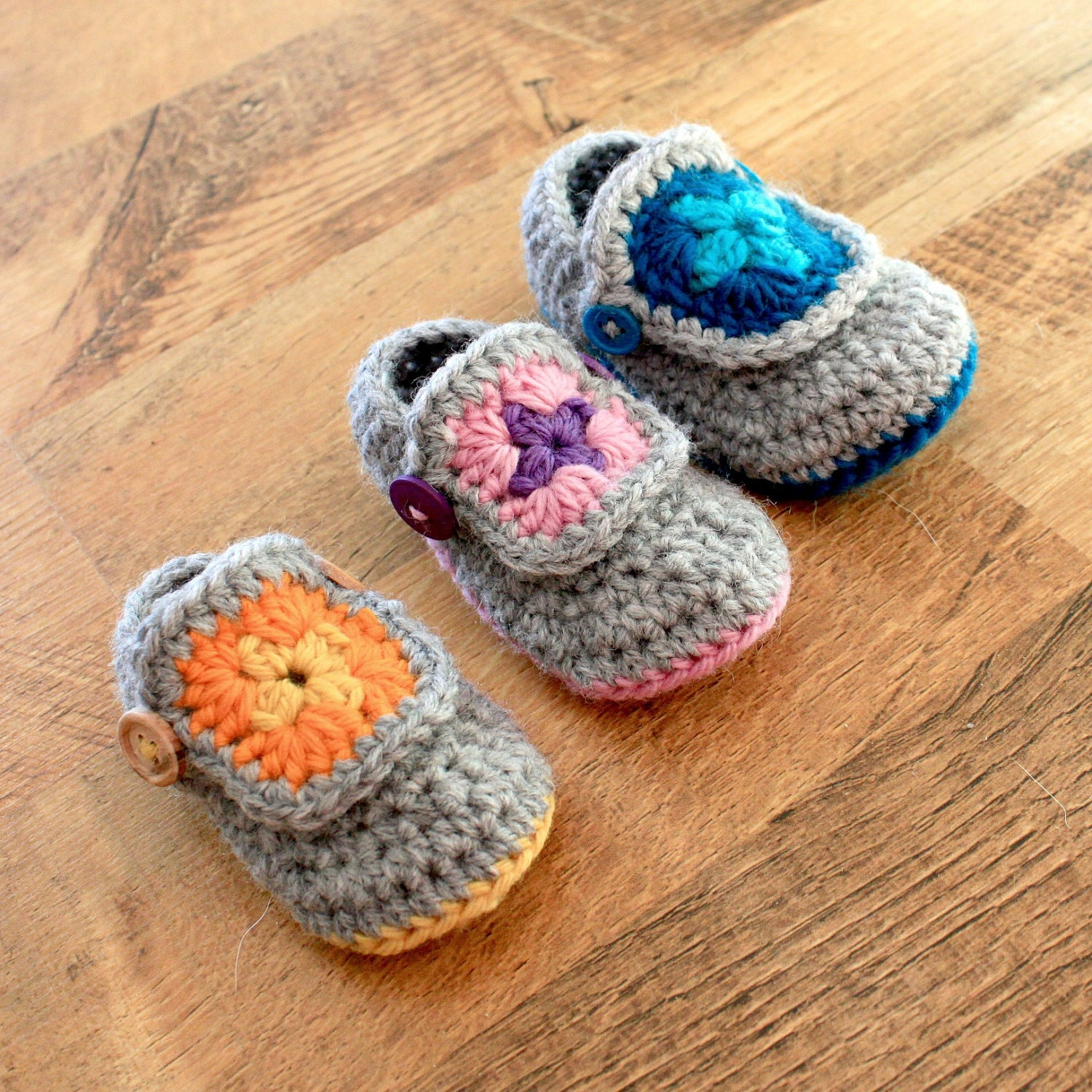 Crochet Pattern - Granny Square Baby Booties (Sizes Newborn to 18 mo)