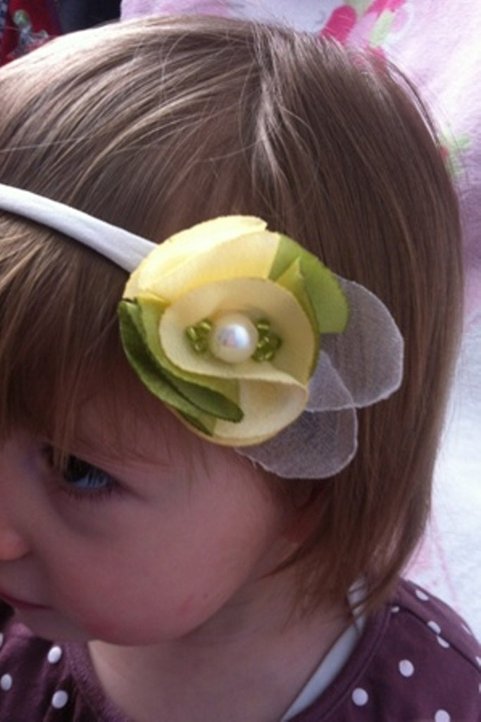 girl headband, hairband flower, yellow and green, baby gift - FairyDustHeadbands