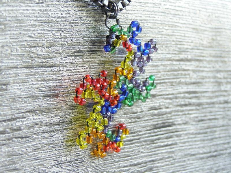 Beaded Twin Dragon Curve Fractal Necklace - Fire & Ice