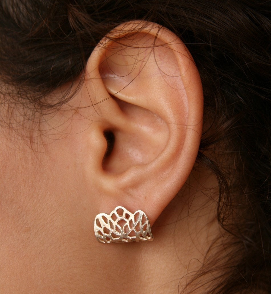 LACE-Small Sterling Silver Earlobes Post Earrings
