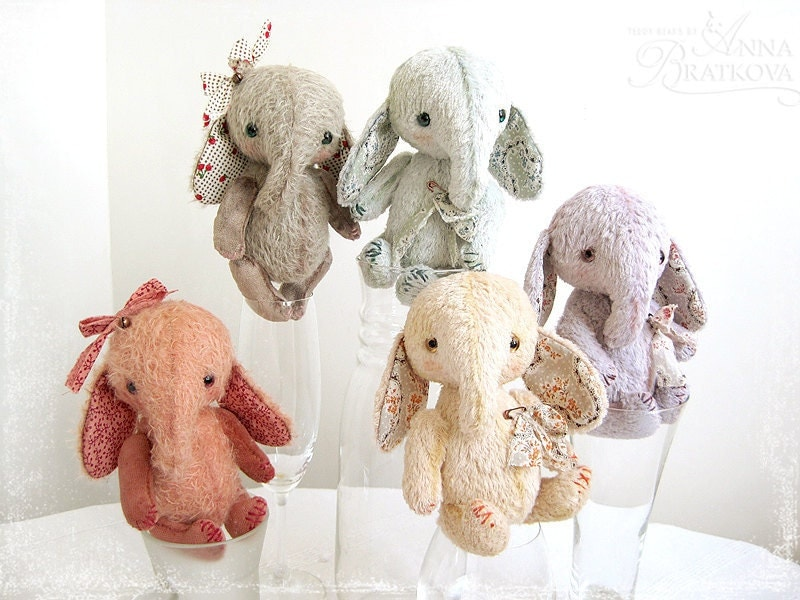 multiple color teddy elephants for children