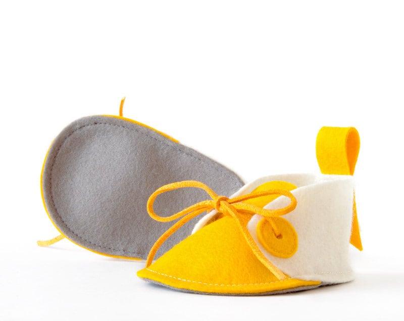 Newborn baby shoes white & yellow, boys girls baby booties, unisex baby gift crib shoes - keepsake, soft slippers