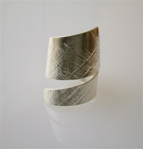 Sterling Silver Ring - Textured Silver - Asymmetrical - Handmade Ring - Silver Jewelry - PepaMoyano