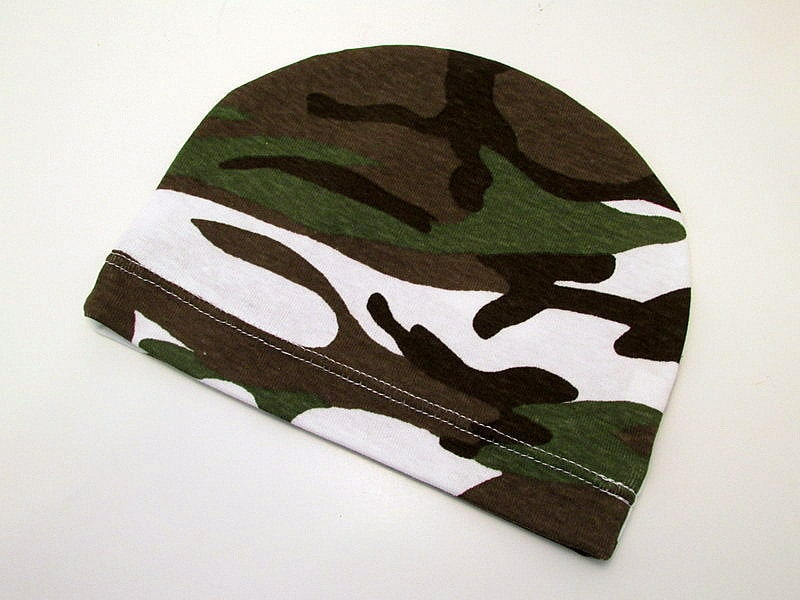 Camo Bitty Baby Hat - ThELaUgHyGiRaFfY