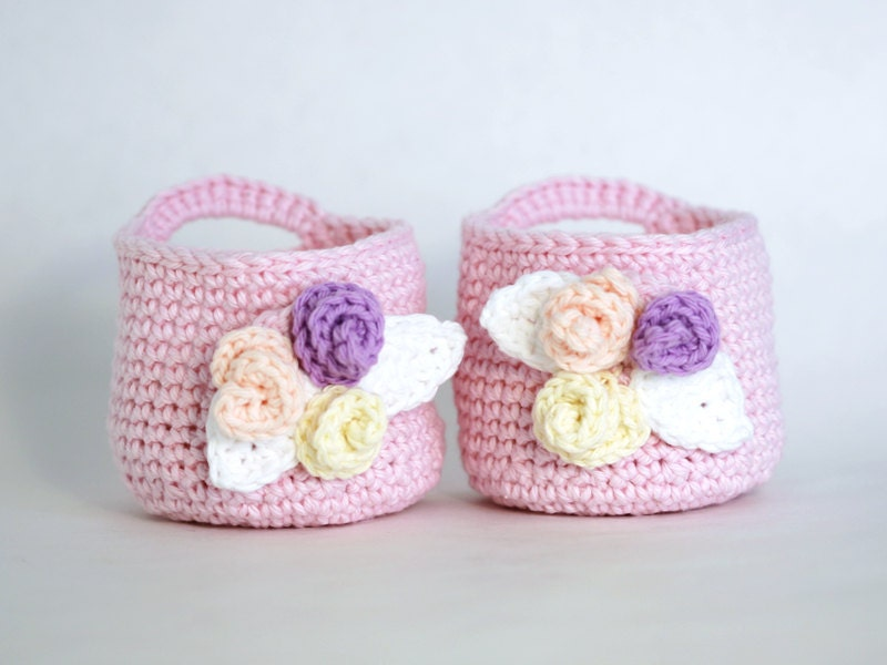 Crochet Pink Basket with Makeup Remover Pad Wash Cloths - GetTangled