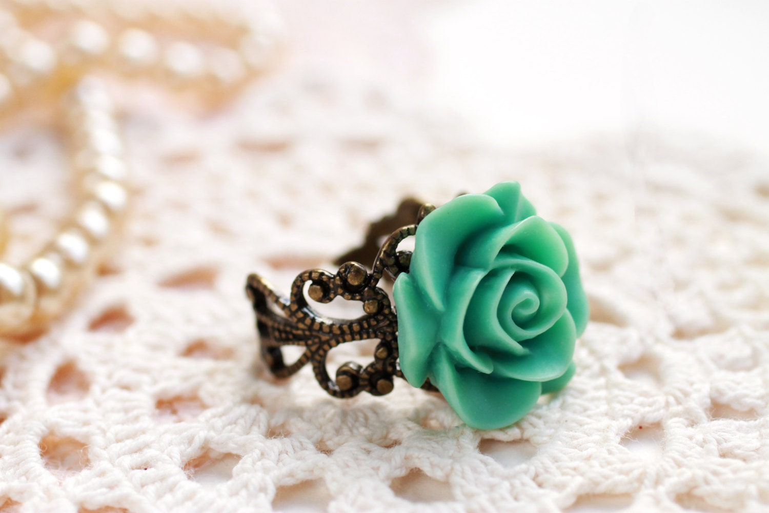 Mint green rose ring, teal rose ring, resin rose ring, resin flower ring, rose cabochon ring, etsy store , beautyfoodlfie.blogspot.com