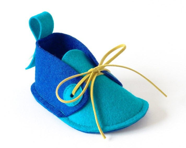 Baby boys shoes blue & turquoise, soft felt baby booties, newborn baby gift crib shoes