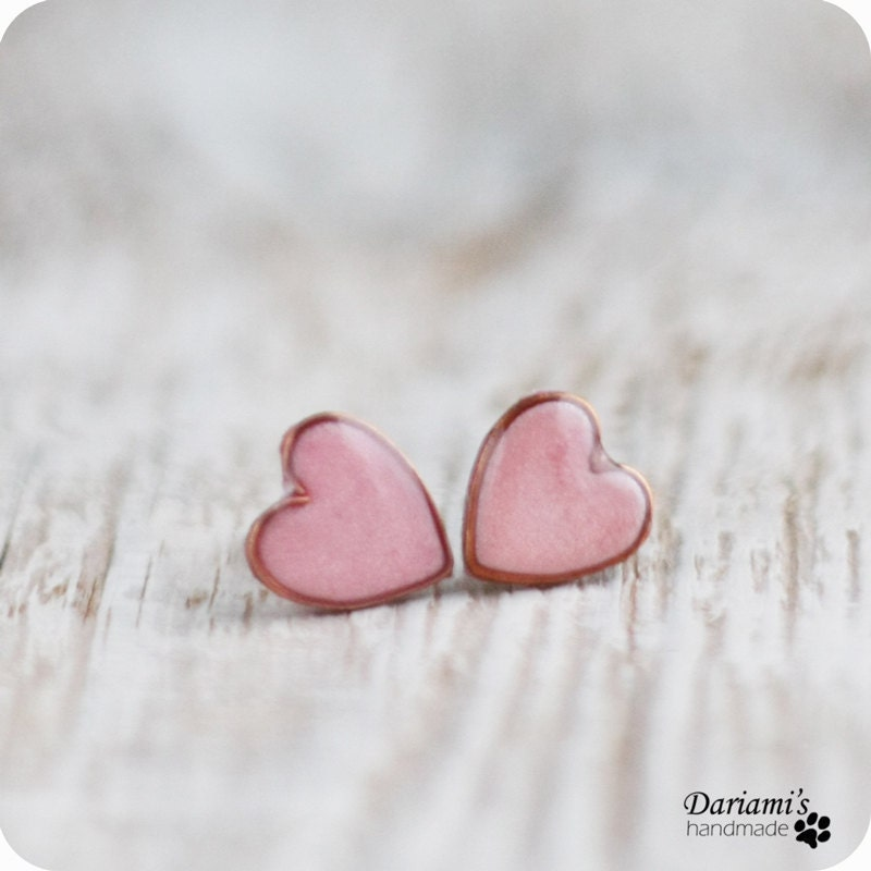 Post earrings - Pale pink Hearts - Dariami