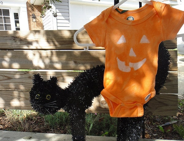 Bright Pumpkin Orange Halloween Jack o Lantern Baby Bodysuit (Newborn)